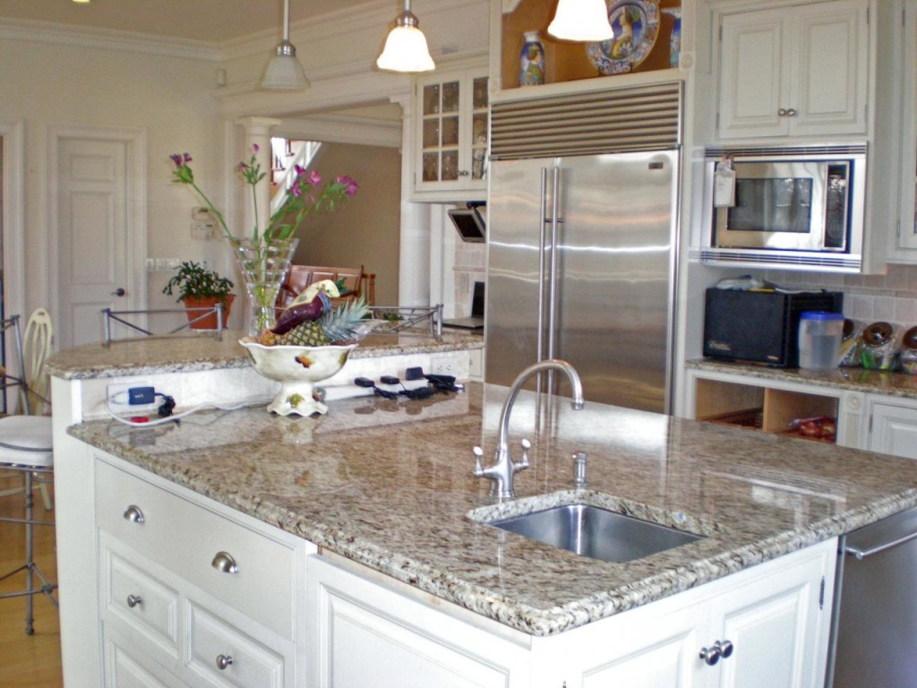http://hamptonbid.com/wp-content/themes/realtorpress/thumbs/gourmet-kitchen-1024x768.jpg