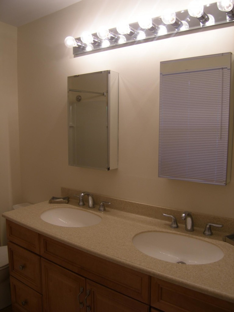 http://hamptonbid.com/wp-content/themes/realtorpress/thumbs/peconic-bay-bathroom-3-768x1024.jpg